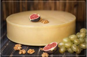 Сыр Монтазио с выдержкой 6 месяцев